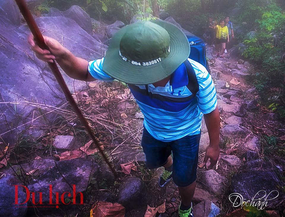 Chuyến săn mây cực thú trong hành trình chinh phục đỉnh núi Bà Đen - 11