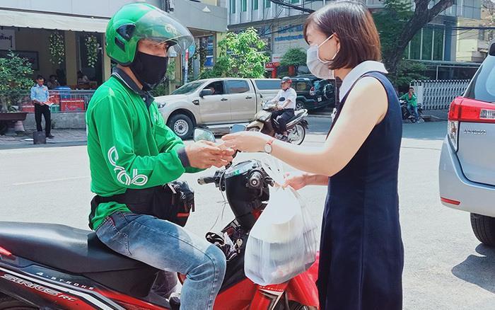 Đề xuất cho shipper công nghệ Hà Nội được giao đồ ăn trở lại - 1