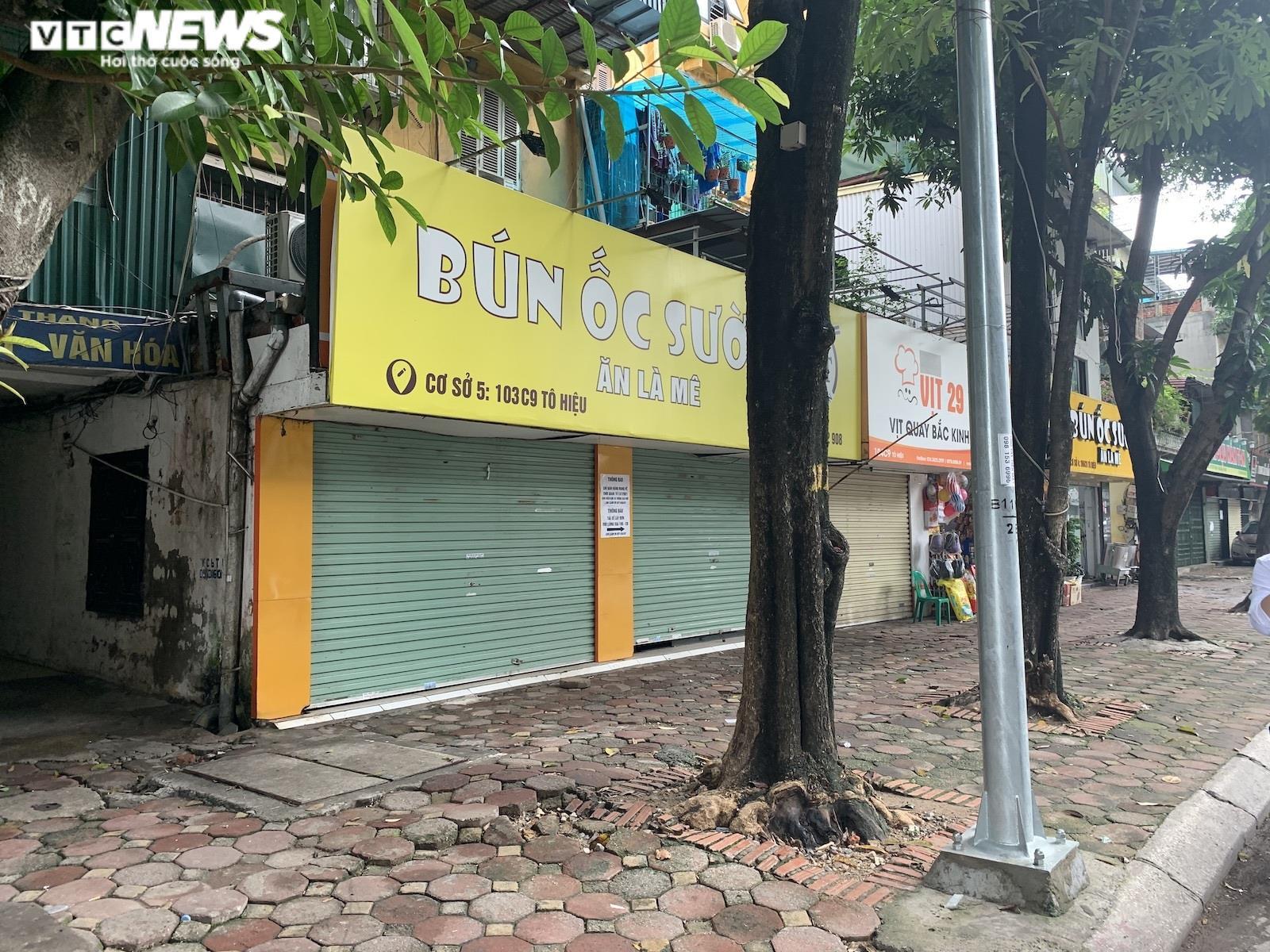 Lý do nhiều cửa hàng ăn tại Hà Nội vẫn đóng cửa dù thuộc diện được bán mang về - 2