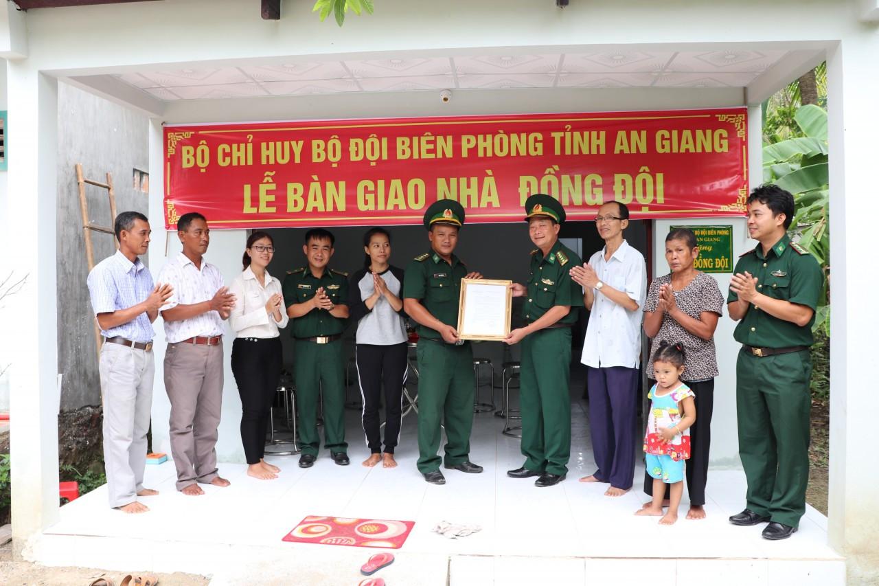 Bộ đội Biên phòng An Giang đồng hành cùng đồng bào dân tộc Khmer vùng biên giới