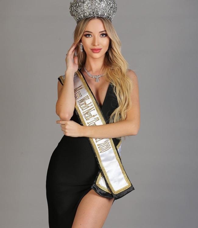 Hoa hậu Trái đất Bulgaria có bằng Tiến sĩ xinh đẹp không tì vết
