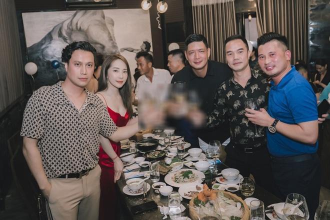 Việt Anh cởi trần vào bếp, lộ chuyện sống với Quỳnh Nga?-7