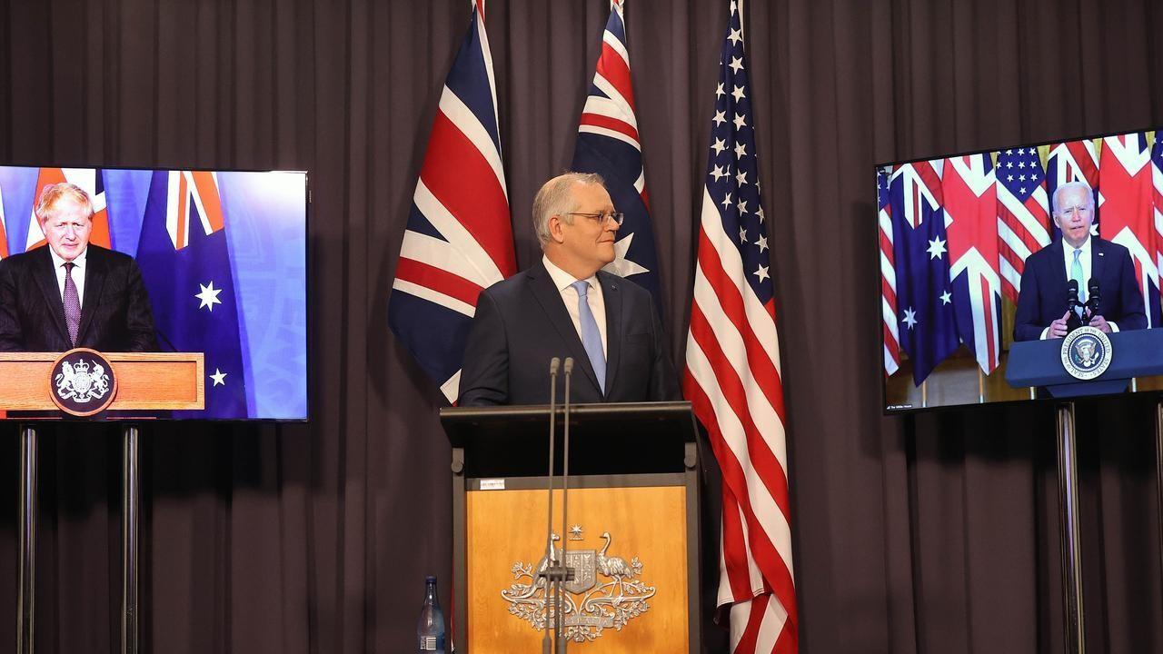 Thủ tướng Australia Scott Morrison cùng Tổng thống Mỹ Joe Biden và Thủ tướng Anh Boris Johnson công bố sự ra đời của Liên minh AUKUS. (Nguồn: News.com.au)