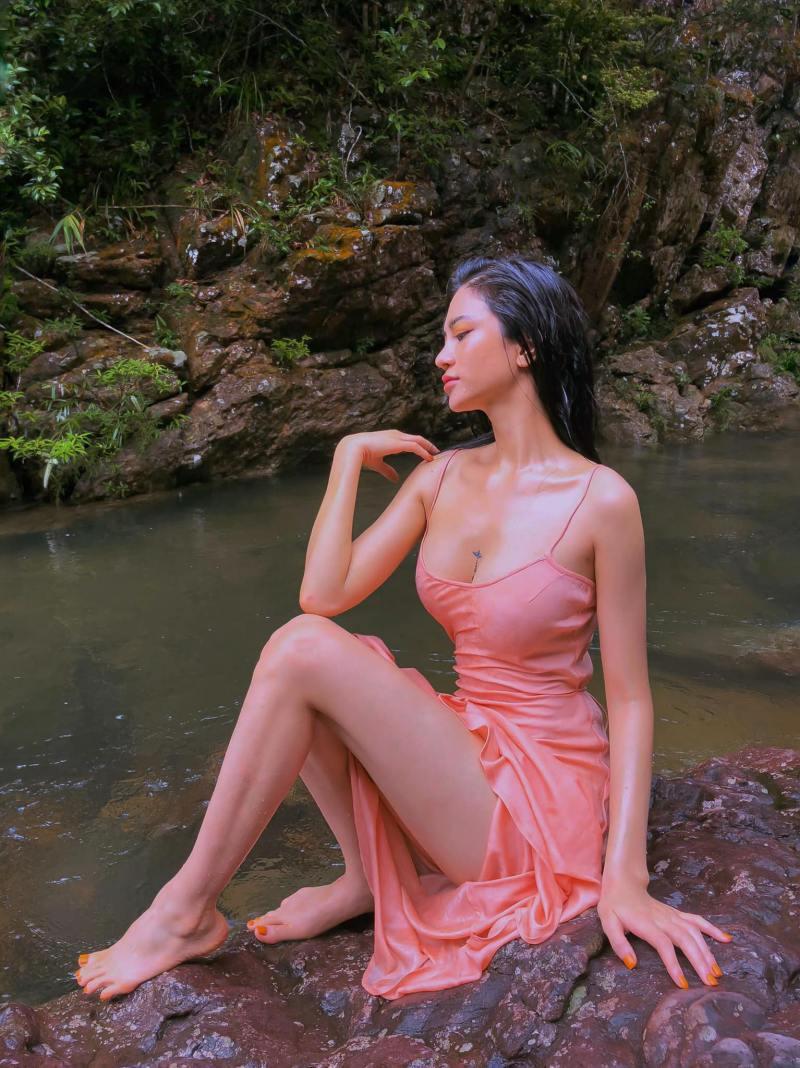 """Ảnh thời trang """"tiên nữ tắm suối"""" của mỹ nữ Quảng Ninh từng ném danh hiệu vào thùng rác - 5"""