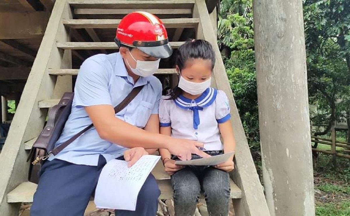 Học sinh lớp 6 lên núi dựng lán dò sóng học online - 2