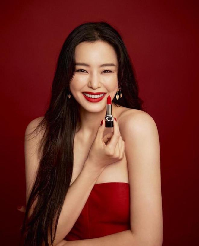 Cuộc sống độc thân vui vẻ của hoa hậu nóng bỏng xứ Hàn - 7