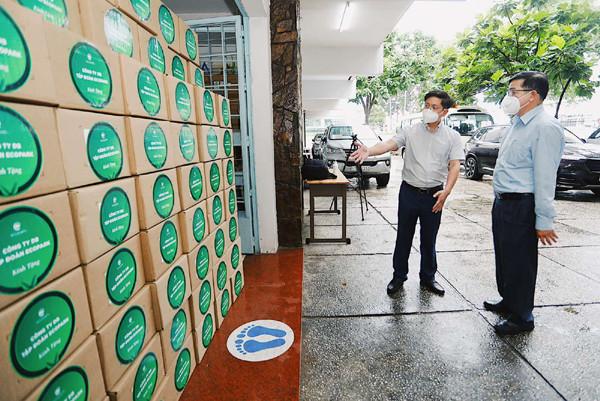 100.000 lọ thuốc đặc trị Covid-19 của hãng dược Prizer về đến Việt Nam
