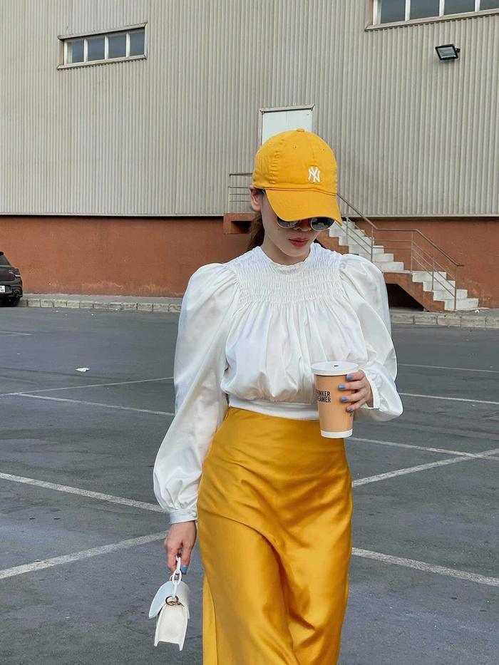 Yến Trang có bộ sưu tập áo sơ mi trắng mix&match cực kỳ đẳng cấp-2