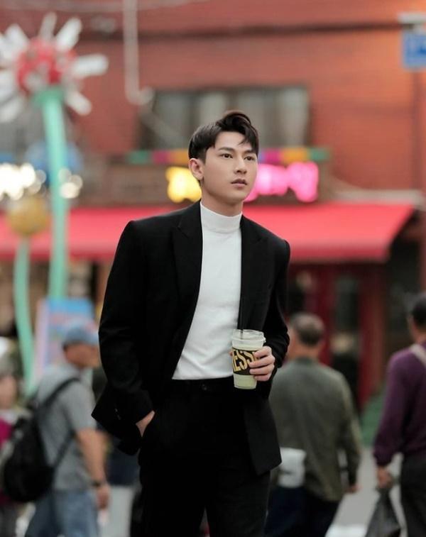 Isaac khoe tài mix đồ đẹp tựa soái ca Hàn Quốc-4