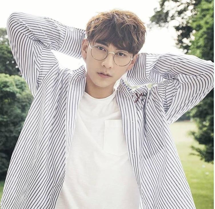 Isaac khoe tài mix đồ đẹp tựa soái ca Hàn Quốc-2