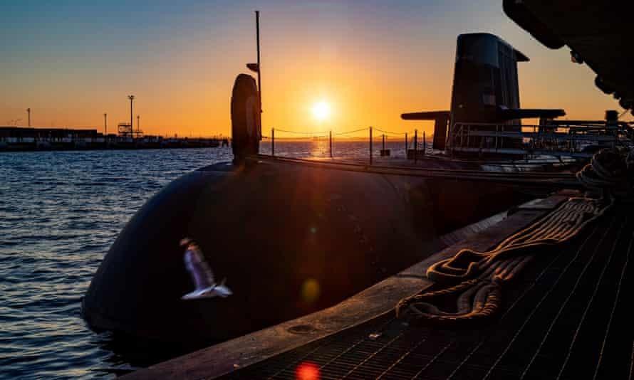 """Thỏa thuận tàu ngầm Australia-Mỹ: Pháp chỉ trích Anh """"hành xử cơ hội, Australia phân trần, Nga nói 'chuyện bình thường'"""
