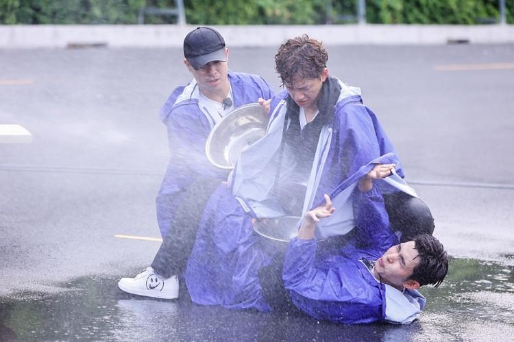 'Running Man Vietnam' hé lộ những cảnh rượt đuổi kịch tính, nghẹt thở ngay tập đầu tiên