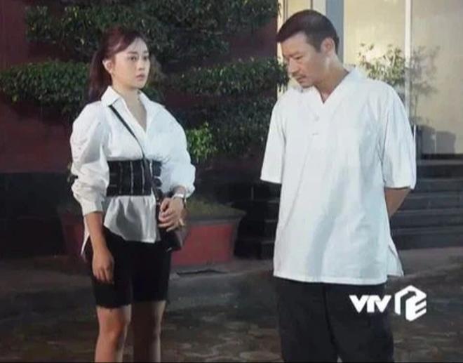 Nam Hương Vị Tình Thân có quên mặc quần không thế?-6
