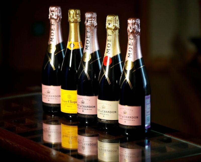 Pháp, Nga nhất trí đàm phán giải quyết tranh chấp, quyết định nối lại xuất khẩu rượu champagne