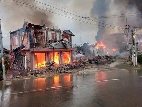 Malaysia: Đoàn xe quân sự bị đánh bom khiến một số người thiệt mạng