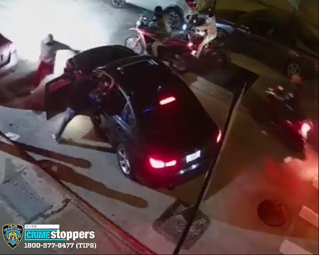 Băng cướp chặn tài xế BMW cướp ô tô