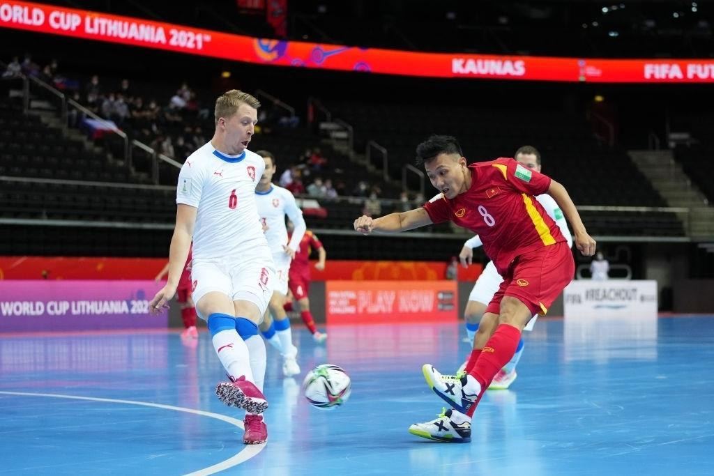 Xuất sắc hòa Séc, tuyển Việt Nam tái hiện kỳ tích qua vòng bảng World Cup futsal - 1