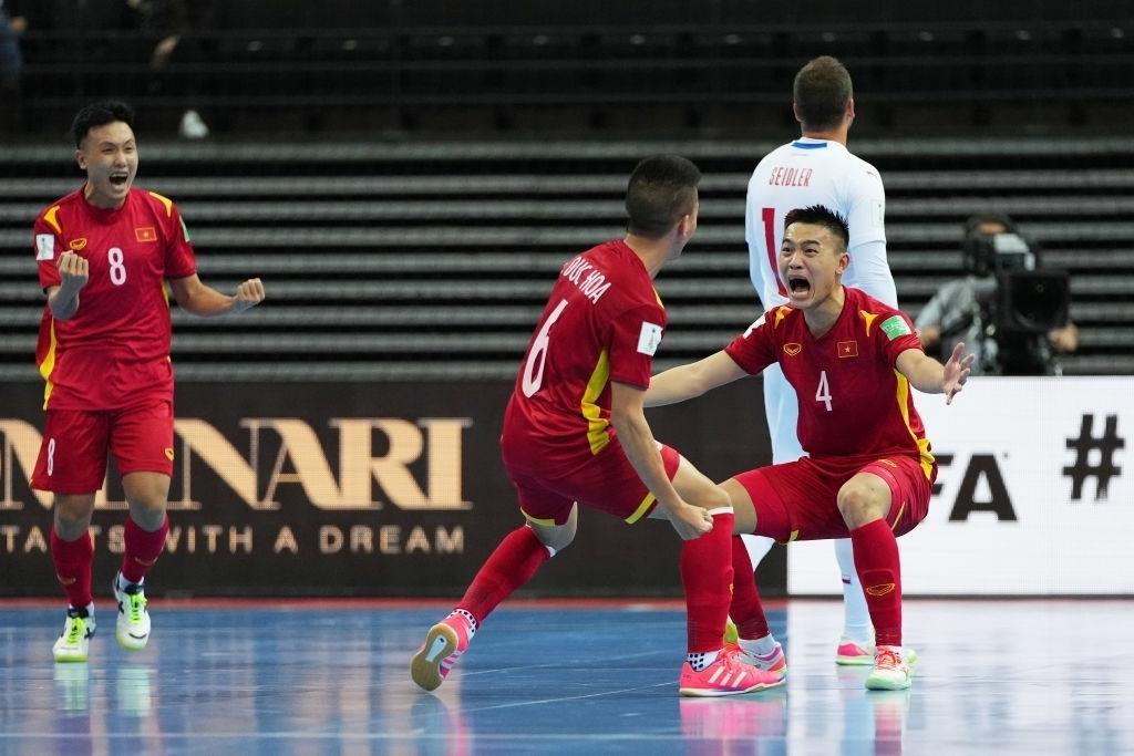 Tuyển futsal Việt Nam được thưởng nóng 1 tỷ đồng - 1
