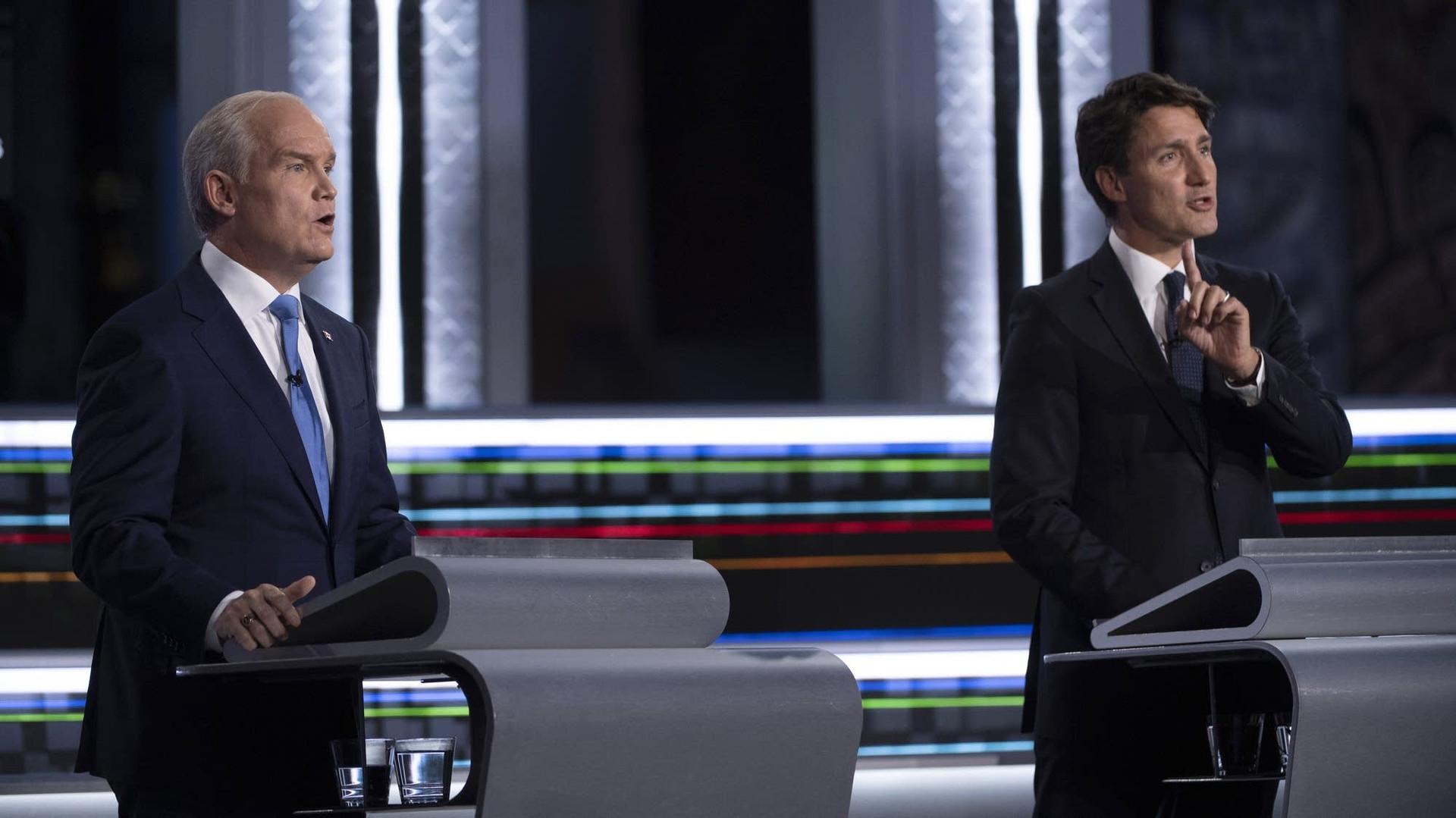 Tổng tuyển cử Canada: Ngay trước giờ G, hai phe Tự do-Bảo thủ vẫn bất phân thắng bại. (Nguồn: AP)