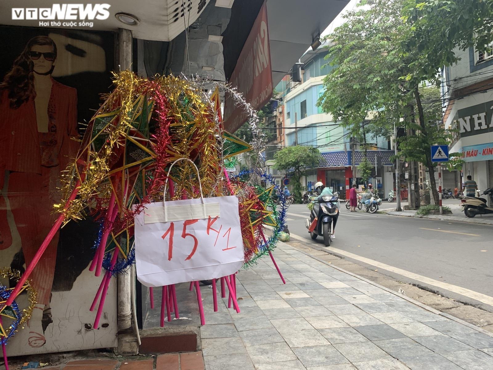 Cảnh bán đồ chơi trung thu lạ đời ở Hà Nội - 7