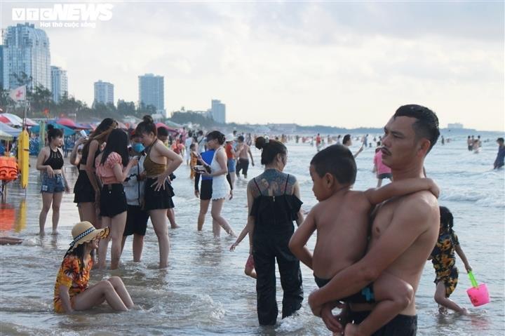 TP Vũng Tàu đề xuất cho người dân, du khách tắm biển từ ngày 1/11 tới - 1