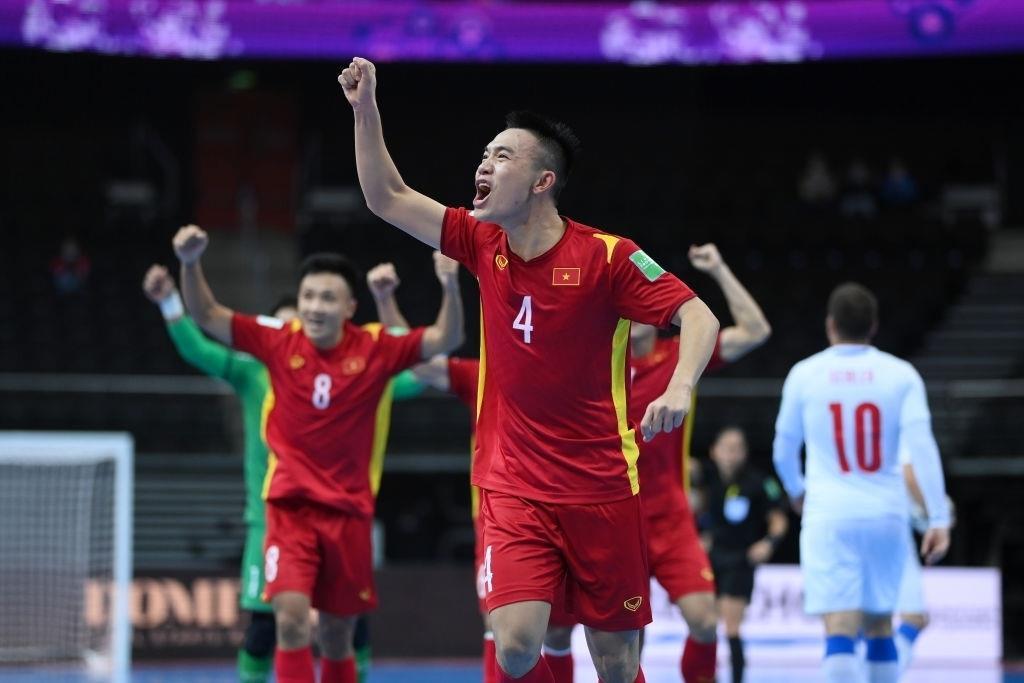 Lập kỳ tích World Cup, tuyển futsal Việt Nam chúc quê nhà sớm vượt qua đại dịch - 1
