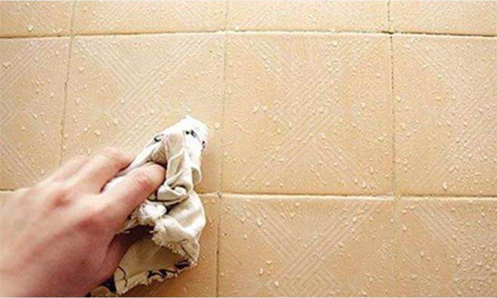 11h-21.9-Khe gạch bị bám bẩn, sẫm màu và khó vệ sinh? Chỉ cần thao tác vuốt đơn giản , mọi vết bẩn trôi đi ngay lập tức-2