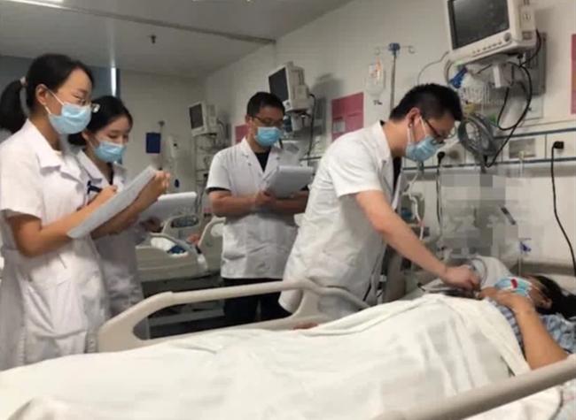 Thai phụ 36 tuần nhập viện khẩn cấp, bác sĩ chỉ định mổ lấy thai, nguyên nhân nguy hiểm xuất phát từ bữa lẩu bò thịnh soạn-2