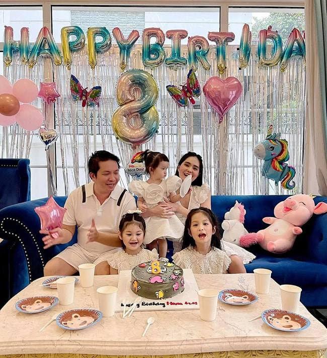 Showbiz Việt cũng có ngôi sao vàng trong làng chiều con không kém cạnh Lâm Tâm Như: Nhìn quà sinh nhật tặng con mà muốn xỉu-1