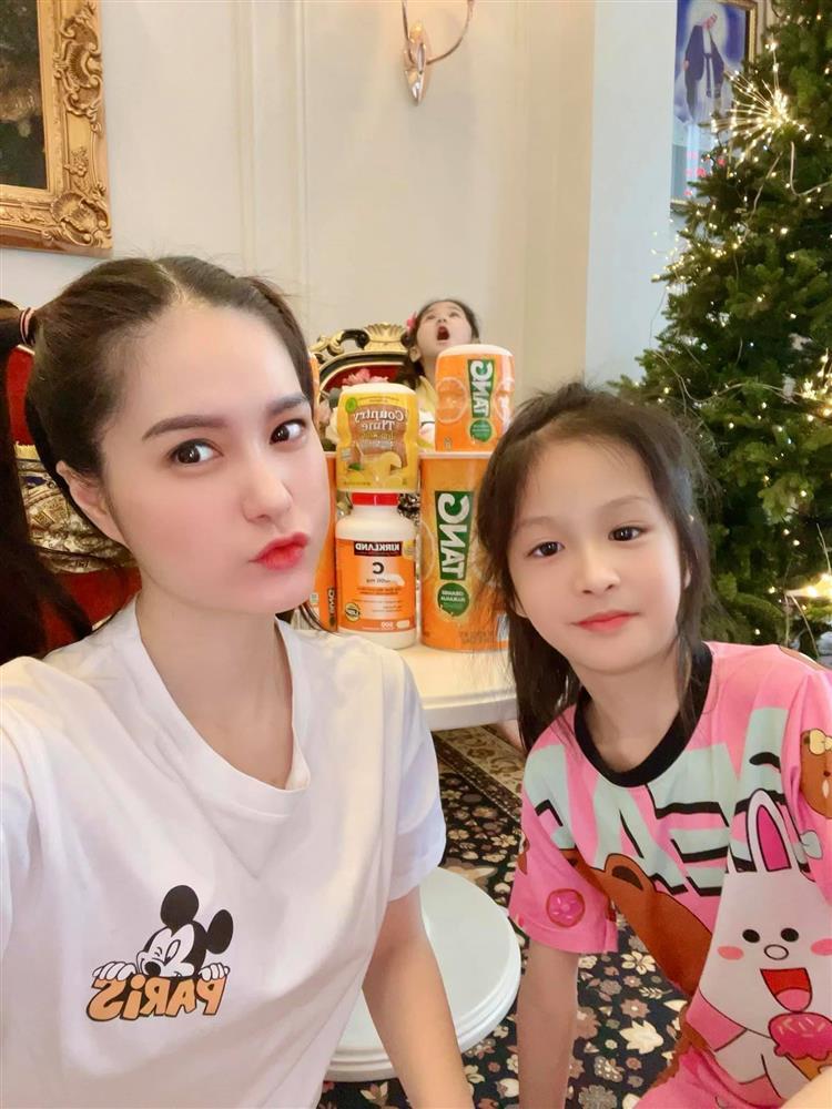 Showbiz Việt cũng có ngôi sao vàng trong làng chiều con không kém cạnh Lâm Tâm Như: Nhìn quà sinh nhật tặng con mà muốn xỉu-5