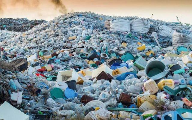 Vòng đời 1 chai nhựa, chiêu kiếm tiền của tỷ phú không ai ngờ