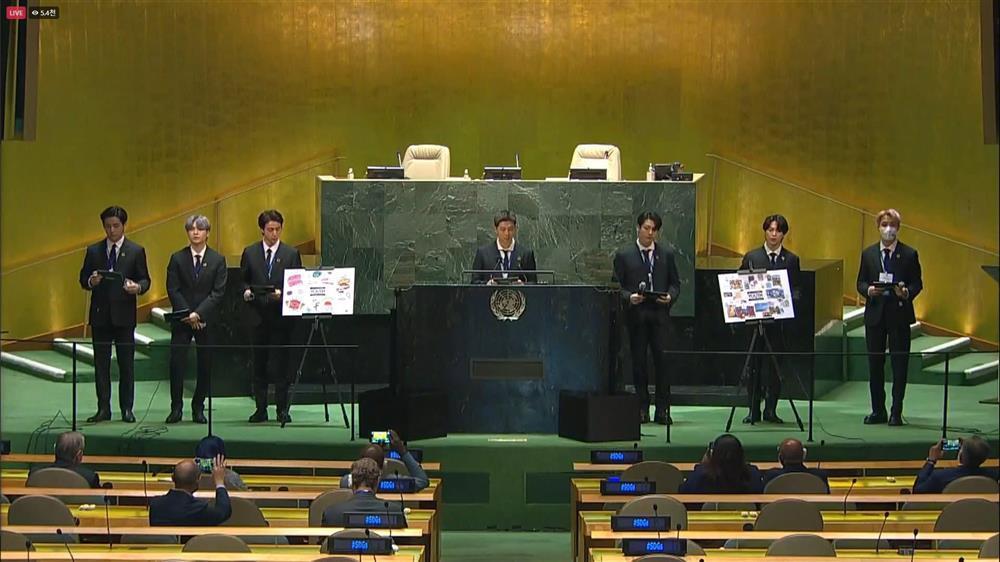 Màn trình diễn hoành tráng của BTS giữa trụ sở Liên Hợp Quốc-3