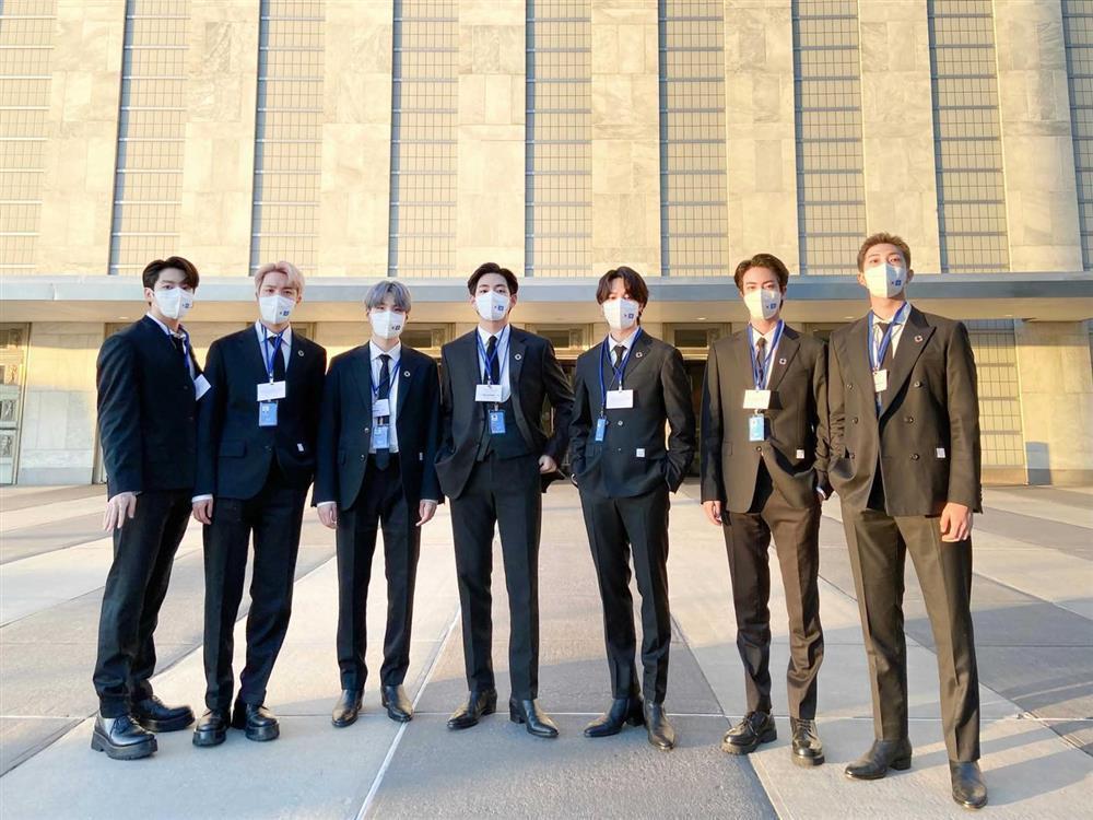 Màn trình diễn hoành tráng của BTS giữa trụ sở Liên Hợp Quốc-1