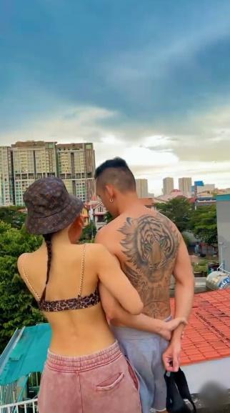 Phương Trinh Jolie và chồng sắp cưới khoe body cực cháy, xăm kín lưng-3