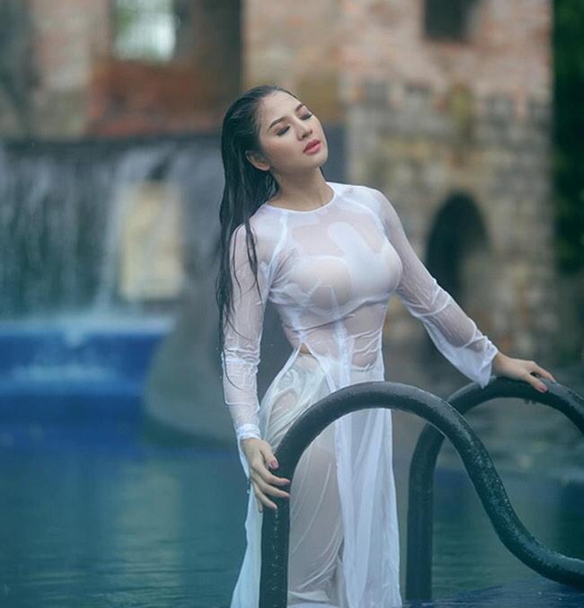 Tai tiếng áo dài: Áo cánh chuồn của Mai Phương Thuý gây choáng nhất?-5