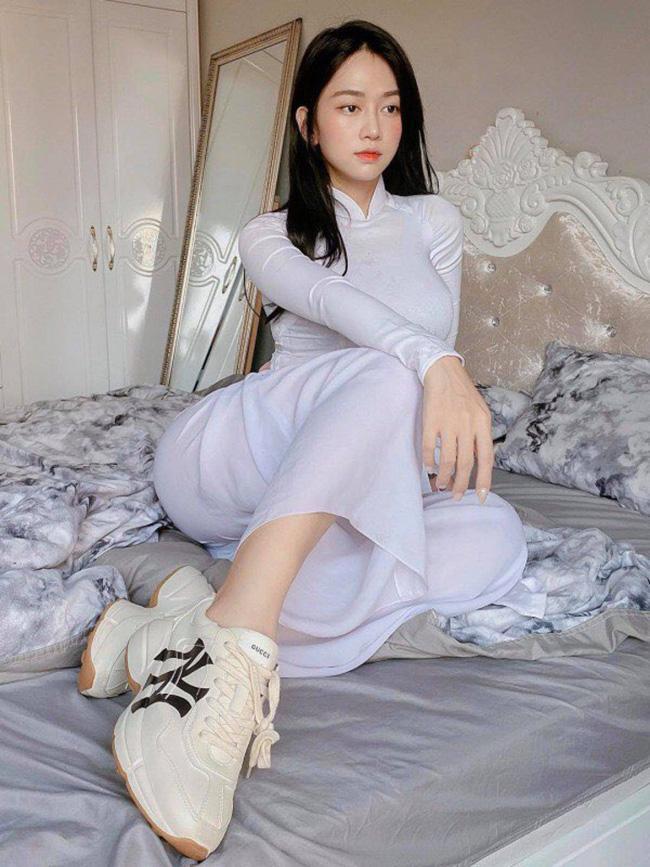 Tai tiếng áo dài: Áo cánh chuồn của Mai Phương Thuý gây choáng nhất?-17