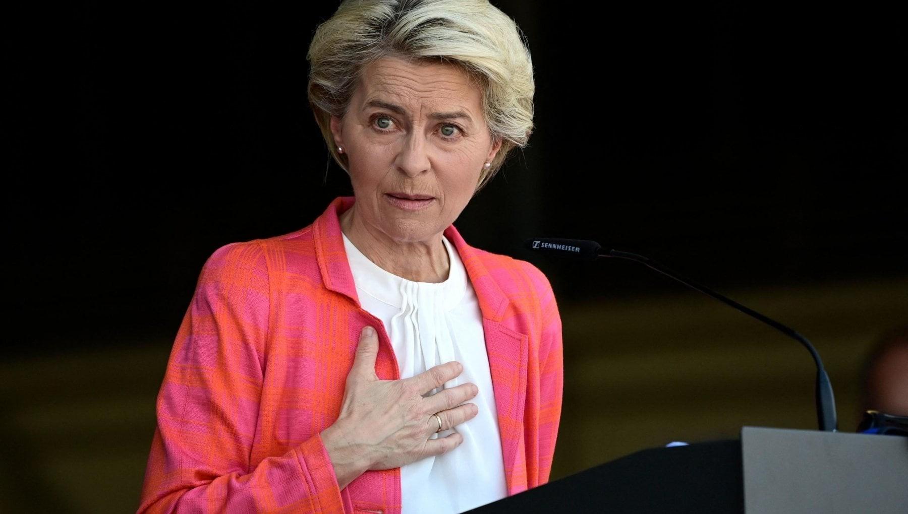 EU đòi công bằng cho Pháp, nói Paris bị cư xử theo cách không thể chấp nhận được