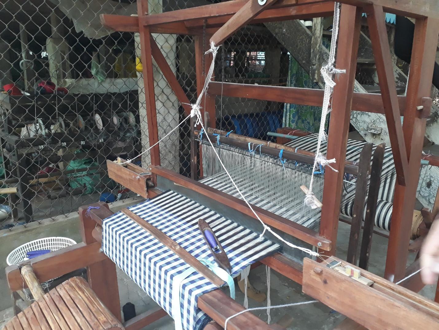 Làng nghề dệt khăn rằn trăm năm tuổi ở vùng đất sen hồng - 8