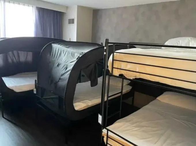 Phòng khách sạn của tiếp viên hàng không - 2