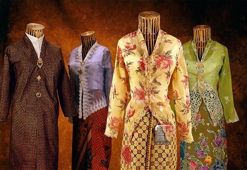 Những trang phục truyền thống ấn tượng và kỳ lạ trên thế giới - 11