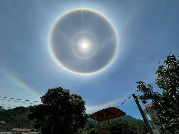 Kỳ thú quầng mặt trời: Hiện tượng thiên nhiên đẹp như truyện thần tiên, may mắn lắm mới được chứng kiến, từng xuất hiện ở Việt Nam - Ảnh 5.