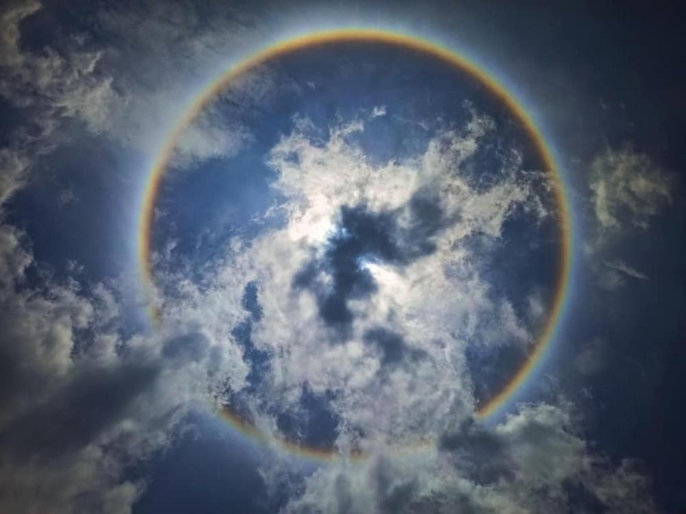 Kỳ thú quầng mặt trời: Hiện tượng thiên nhiên đẹp như truyện thần tiên, may mắn lắm mới được chứng kiến, từng xuất hiện ở Việt Nam - Ảnh 6.
