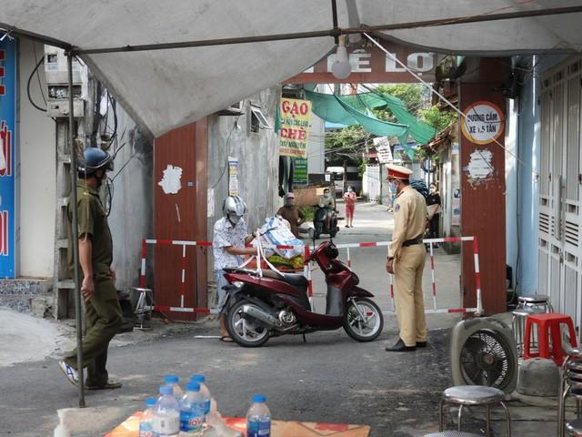 Chùm dương tính cộng đồng tăng thêm chục ca, Hà Nam phong toả nhiều khu vực - Ảnh 3.