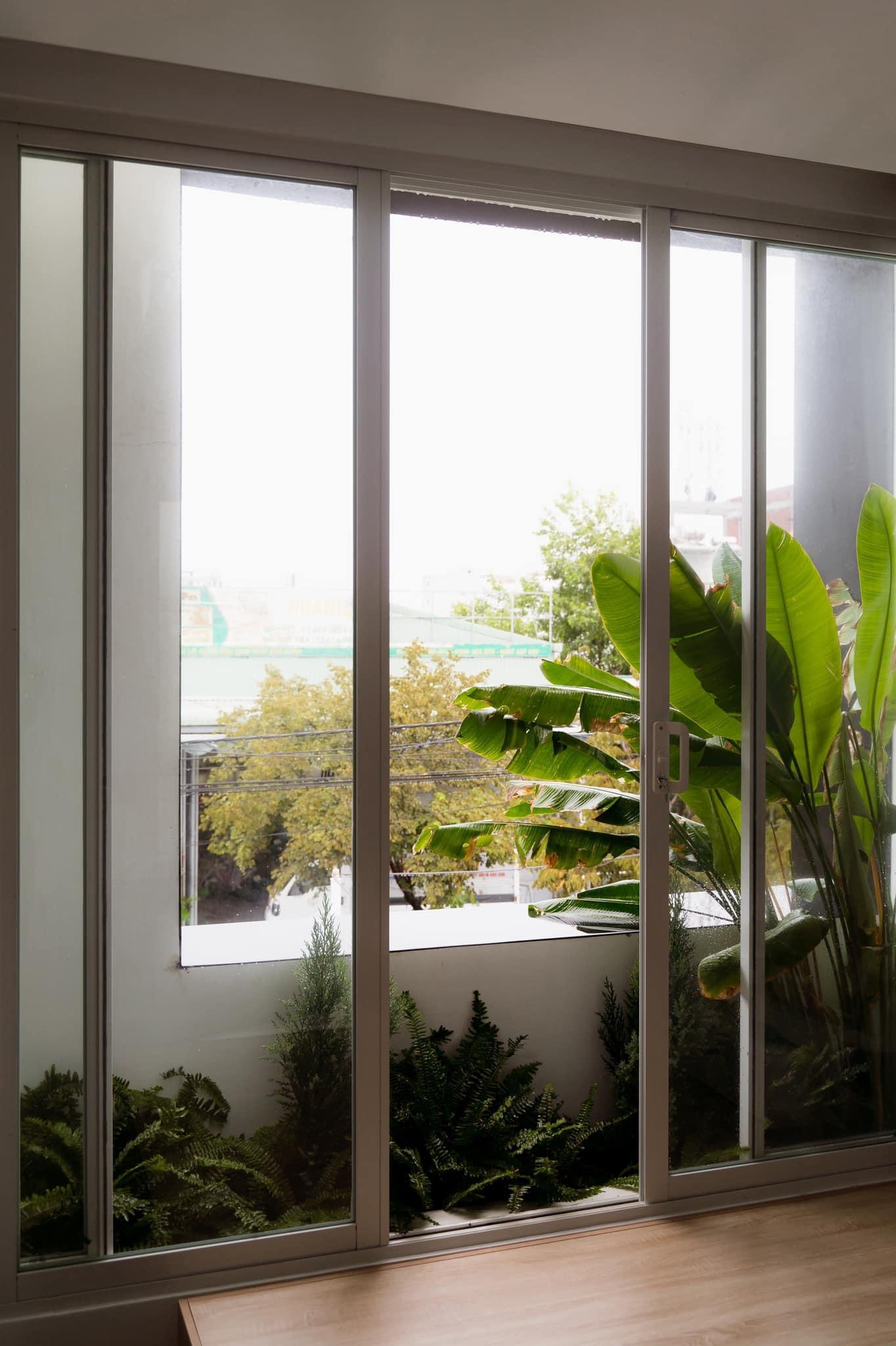 Ngôi nhà ánh sáng tràn vào vào từ 4 hướng, đứng nấu cơm cảm nhận gió vi vu thổi