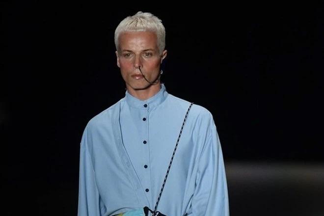 SỐC: Người mẫu đột tử khi đang catwalk trong show thời trang-1