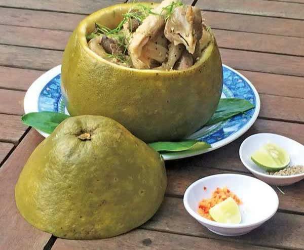 Bắt cả con gà chui tọt vào quả bưởi, thành đặc sản nổi tiếng Đồng Nai-1