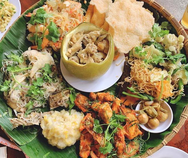 Bắt cả con gà chui tọt vào quả bưởi, thành đặc sản nổi tiếng Đồng Nai-5