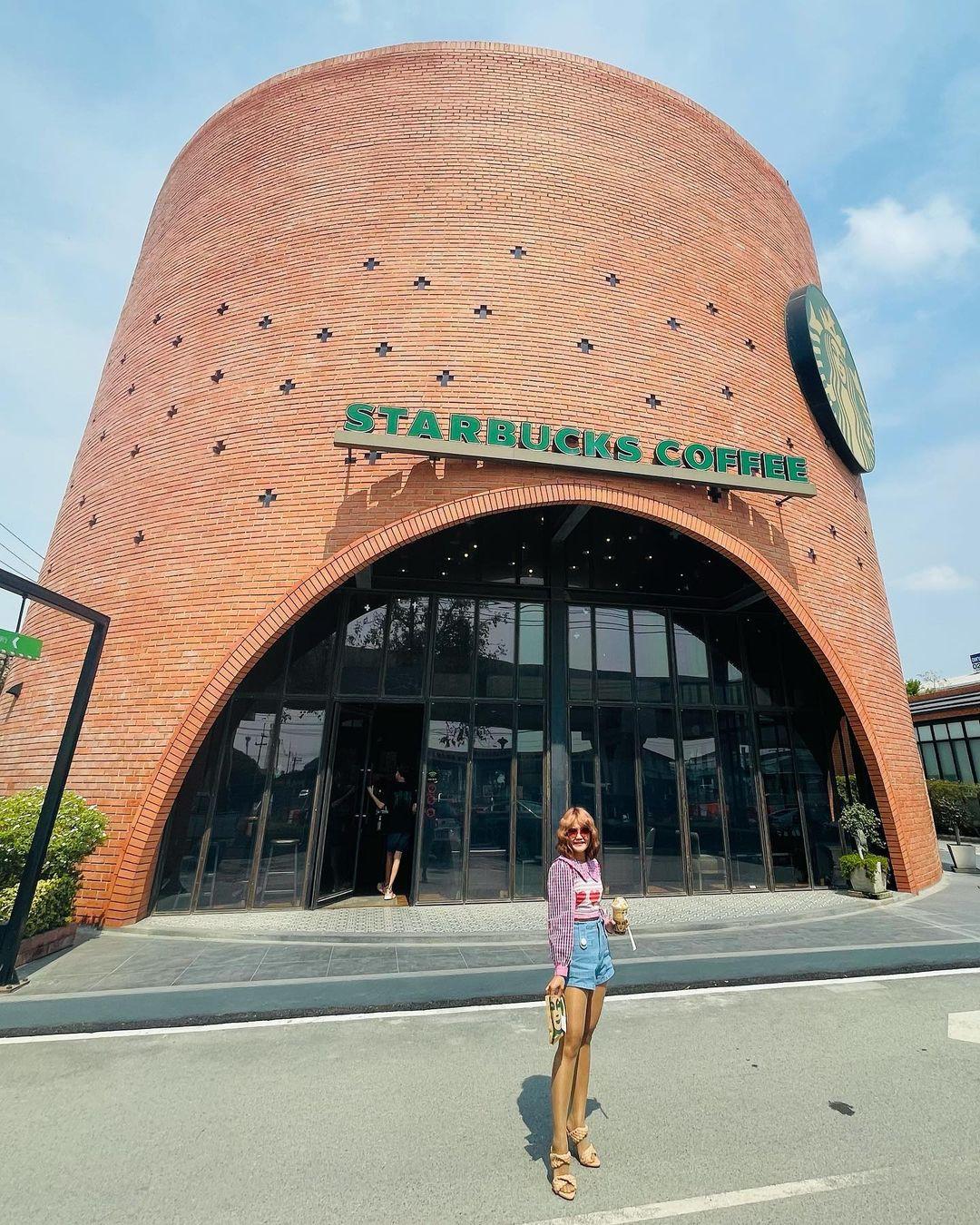 6 cửa hàng cà phê Starbucks đẹp nhất châu Á - 11