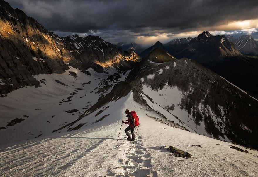 Choáng ngợp trước thiên nhiên hùng vĩ qua bộ ảnh của cặp đôi Canada - 16