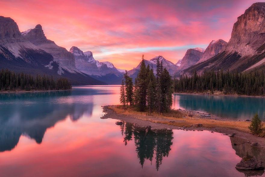 Choáng ngợp trước thiên nhiên hùng vĩ qua bộ ảnh của cặp đôi Canada - 5